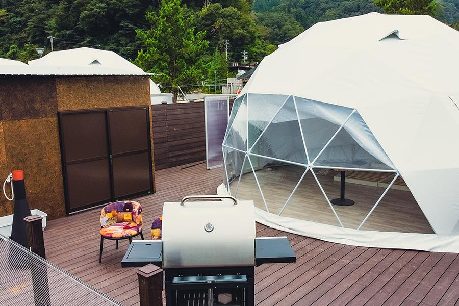 大型グランピングドームテント